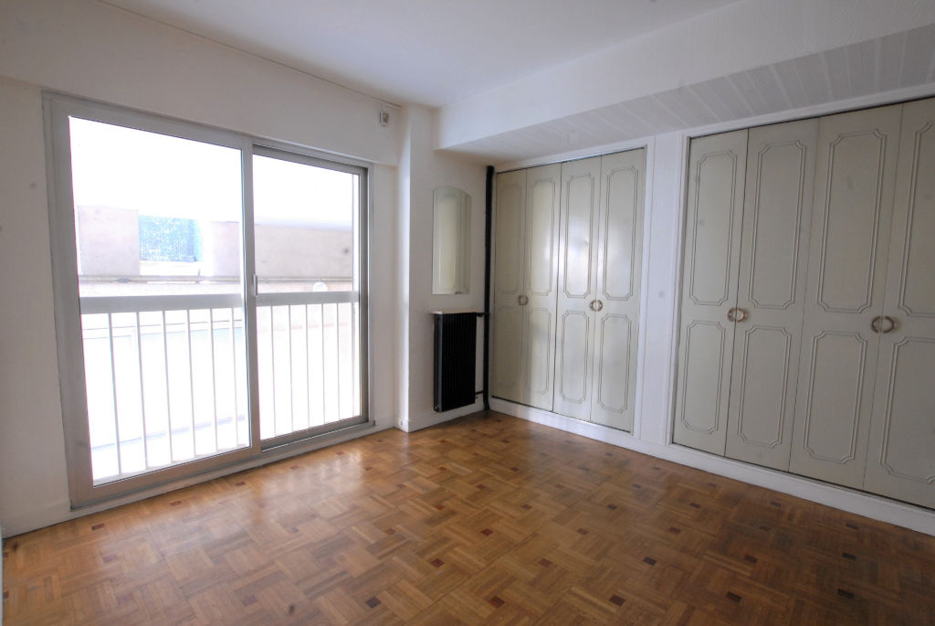 place-gambetta-appartement-2-pieces